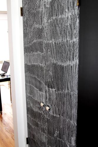 Chalkboard_Door_003